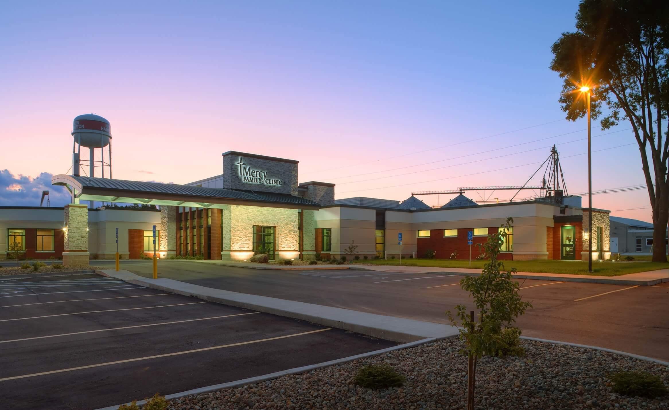 MercyOne New Hampton Medical Center Exterior at sunset
